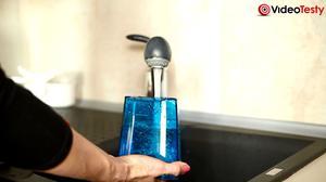 Napełnianie zbiornika z wodą Philips AquaTrio Pro FC7088/01