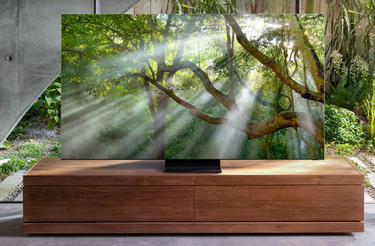 Samsung QLED Q950T w salonie