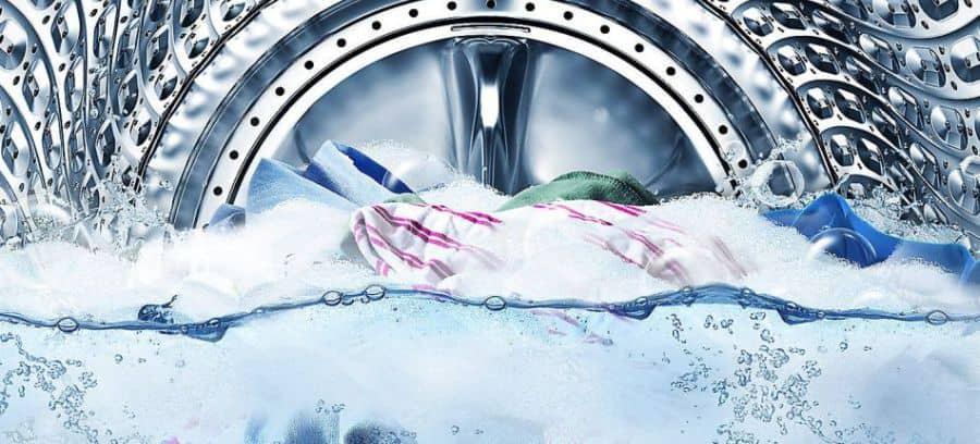 pranie w nowoczesnej pralce