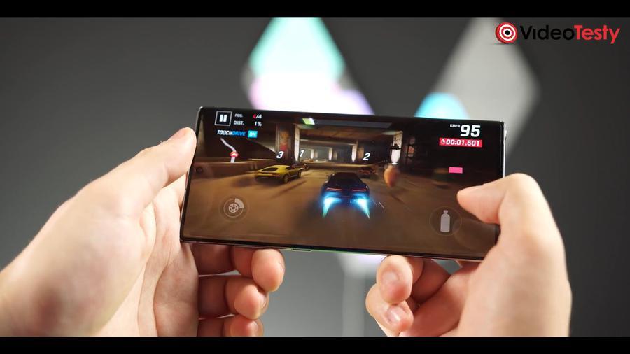 Galaxy Note 10+ podczas testu wydajności w grach