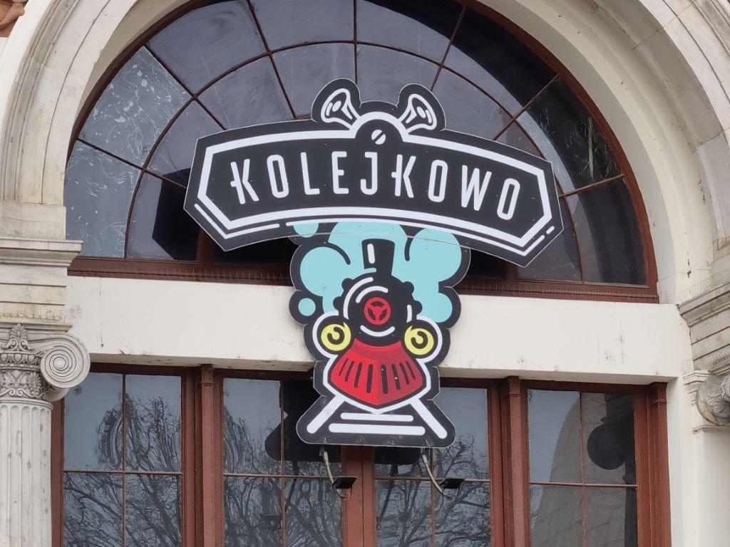Przybliżenie 3-krotne na logo