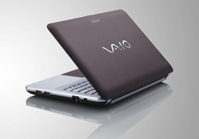 Sony VAIO VPCW21S1E - prezentacja solidnego netbooka