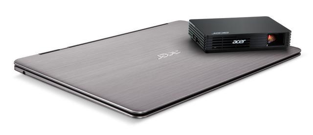 PIKO projektor Acer C120 – przenośne kino, które mieści się w kieszeni