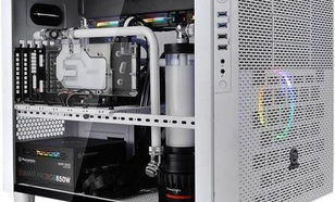 Thermaltake Core X5 Temepered Glass Snow Edition (CA-1E8-00M6WN-00)