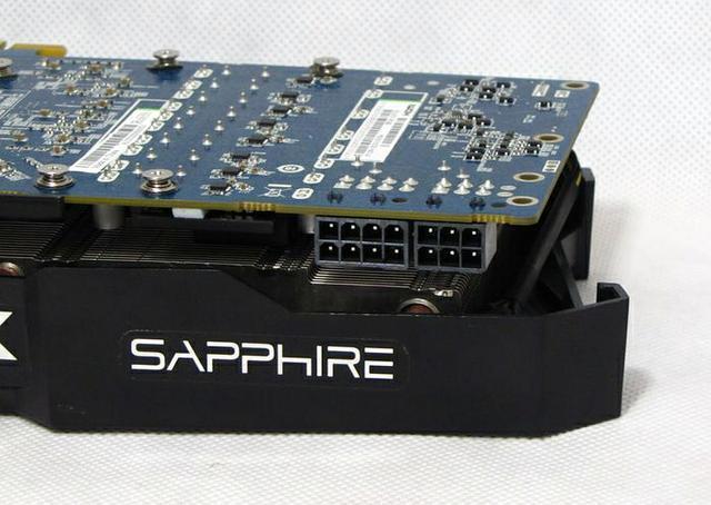 Sapphire Radeon HD 7970 fot6