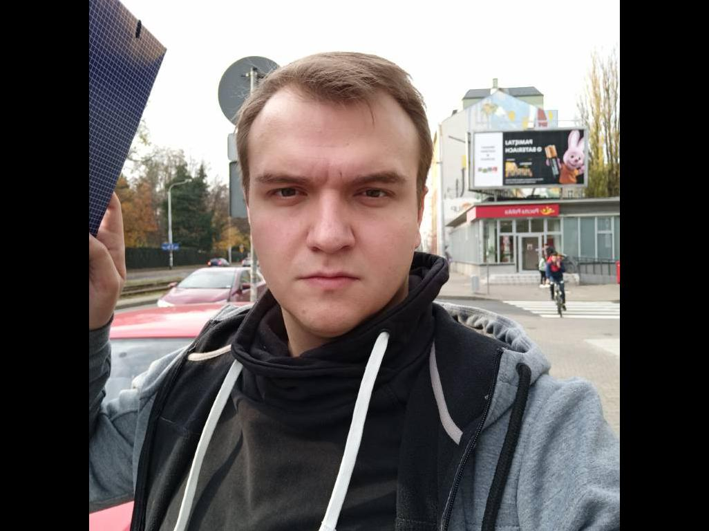 Redmi Note 8 Pro - selfie z przepalonym kadrem