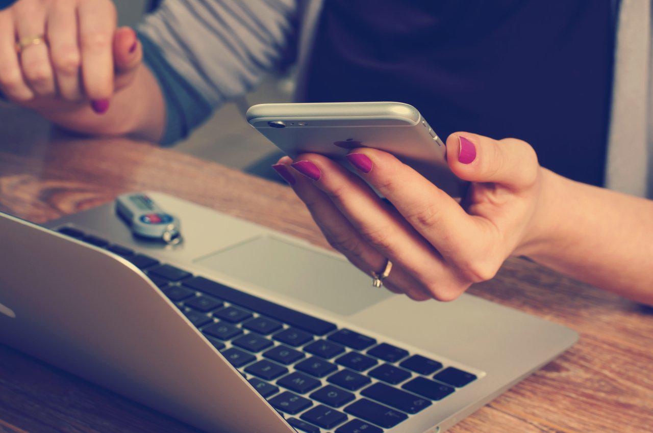 Pisanie na telefonach niejednokrotnie zastępuje używanie komputera