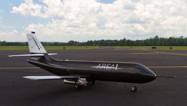 Samolot ze Składanymi Skrzydłami