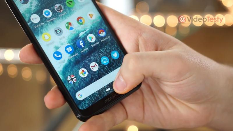 Motorola One oferuje czysty Android 9.0 Pie