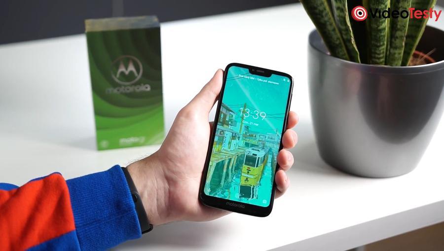 Motorola Moto G7 Power z przodu