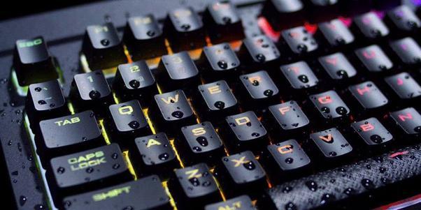 Przełączniki w K68 to czerwona wersja Cherry MX.