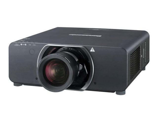 Panasonic z dwiema nowymi seriami projektorów
