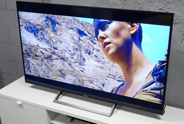 duży telewizor 4K