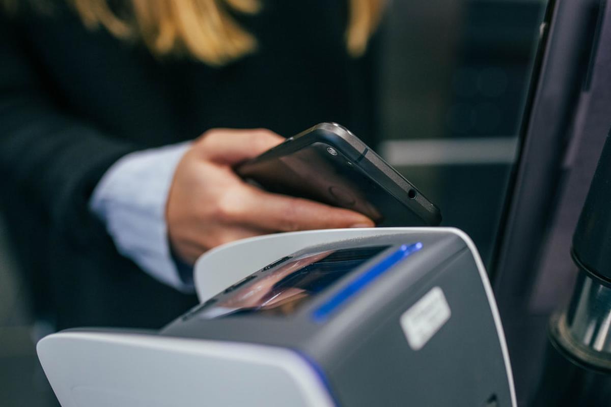 Płatności z wykorzystaniem internetu dobrze przyjęły się w Polsce