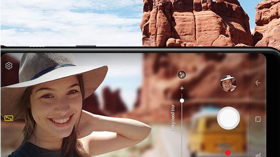 Aparat z live focus w Samsung Galaxy A8 (2018)