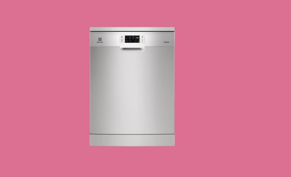 Electrolux ESF6951LOX na różowym tle
