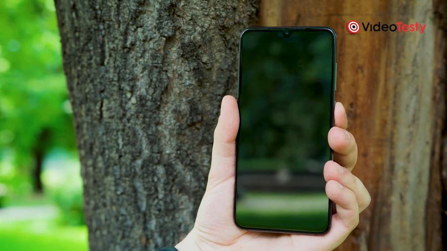 Xiaomi Mi 9 nie zaskakuje wykończeniem