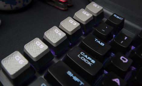 Corsair Zmienia Oblicze Gamingowego Sprzętu - Kable O(d)padają!