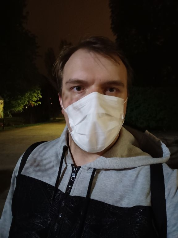 Selfie nocą - tryb automatyczny