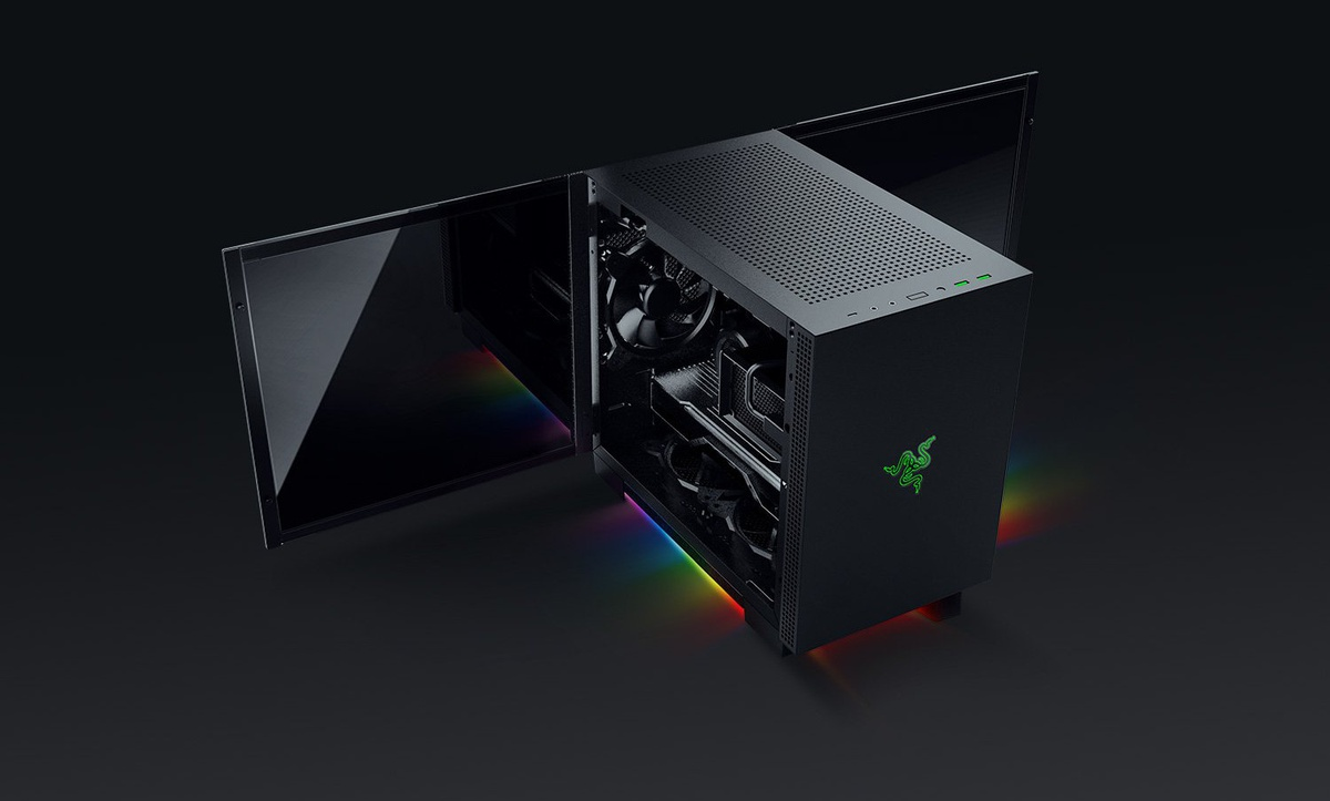 Obudowa PC Razera dostepna jest w dówch rozmiarach