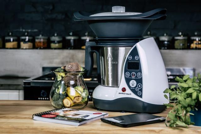 wielofunkcyjny robot kuchenny Eldom