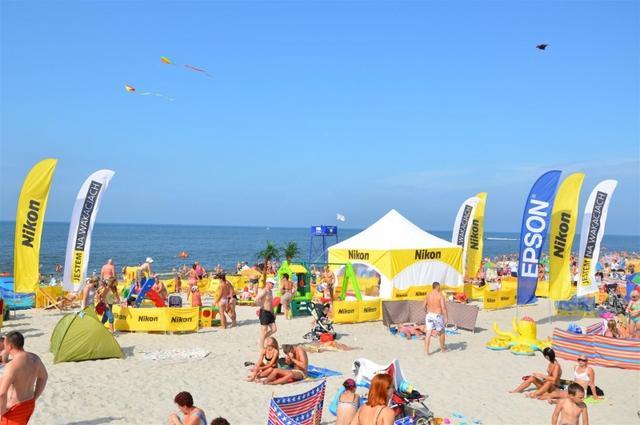 Epson i Nikon dla plażowiczów w lipcu