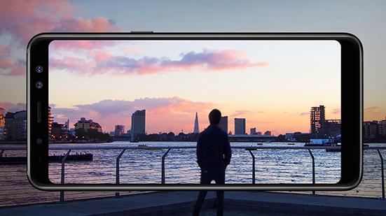 Ekran Infinity w Galaxy A8