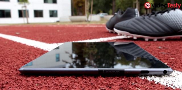 Lenovo Tab 4 foto bok