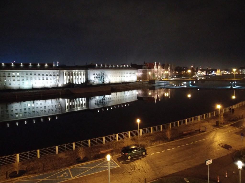 Zdjęcie nocne z Zenfone Max Pro (M2)