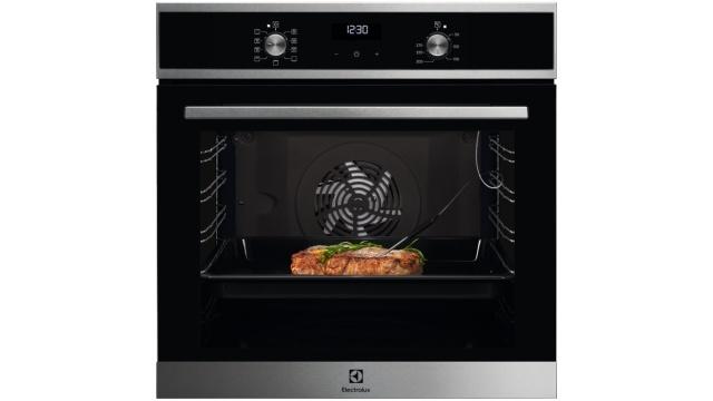 Piekarnik Electrolux ma spore możliwości przygotowywania potraw