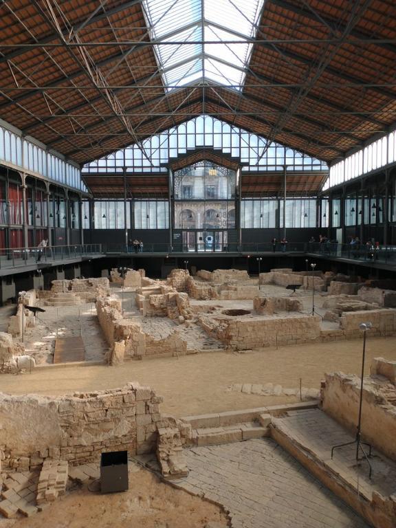 Born Cultural Centre w Barcelonie - zdjęcie w trybie automatycznym