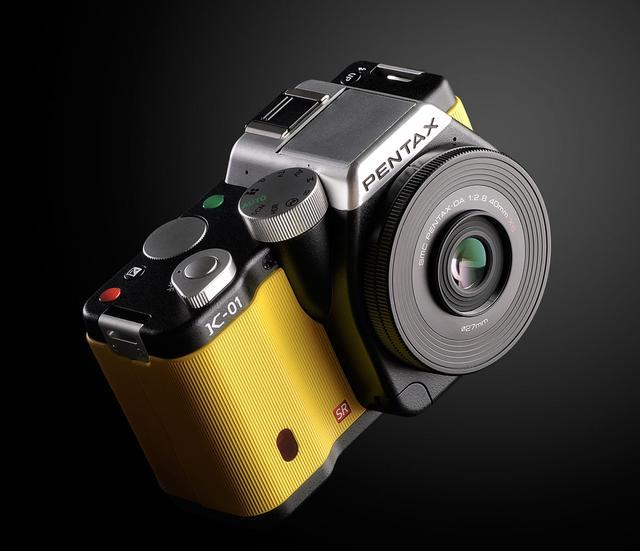 [PREMIERA] PENTAX K-01 Unikalny i stylowy hybrydowy aparat PENTAX