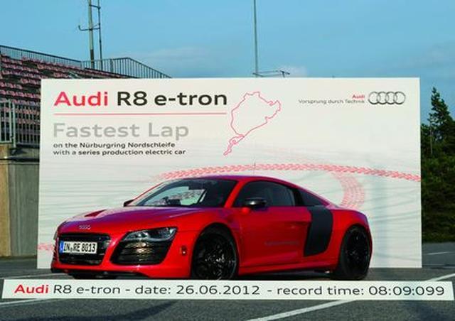Audi R8 e-tron ustanawia rekord świata: w 8:09,099 minuty wokół toru Nürburgring