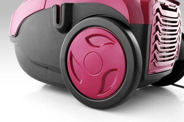 kompaktowy odkurzacz w kolorze burgund