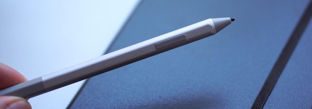 Surface Pen oferuje przycisk boczny oraz nasadkowy
