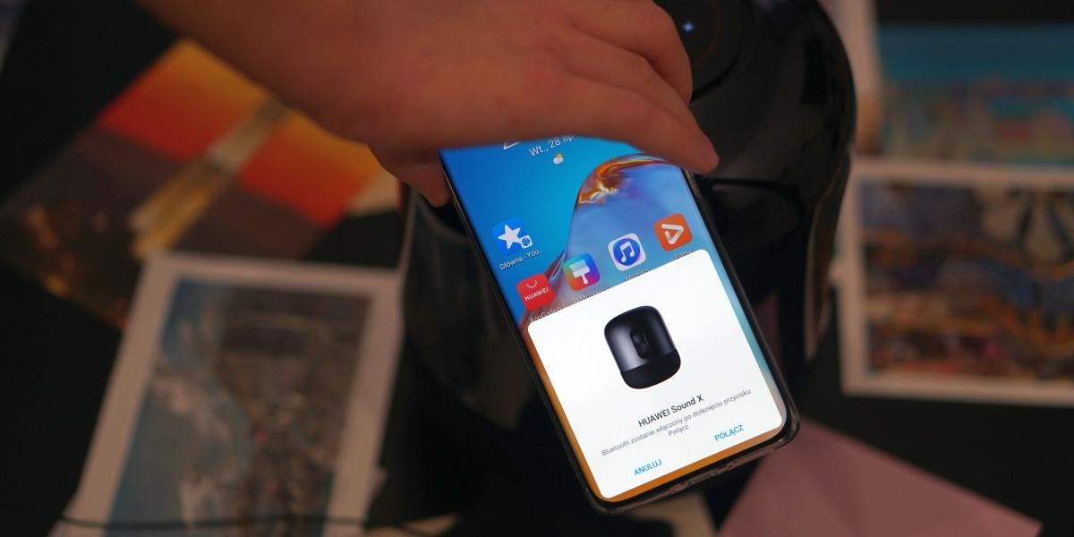 Huawei Sound X pozwala parować się przez NFC