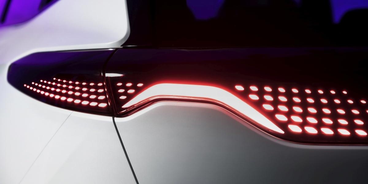 Światła w samochodach Izera niemal na pewno ulegną zmianie