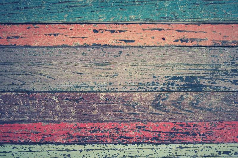 Odrestaurowywanie drewnianej podłogi wymaga mocnego sprzętu