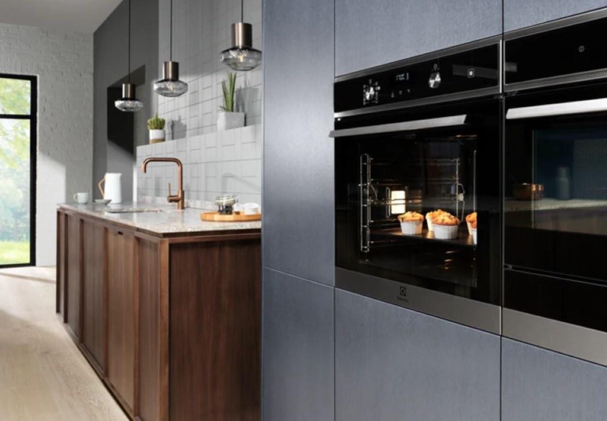 Electrolux EOD5C70X w kuchni