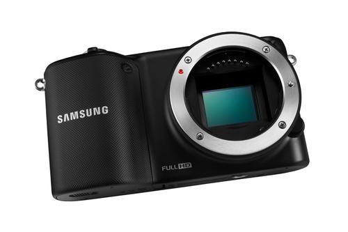 Samsung NX2000 + 20-50mm black