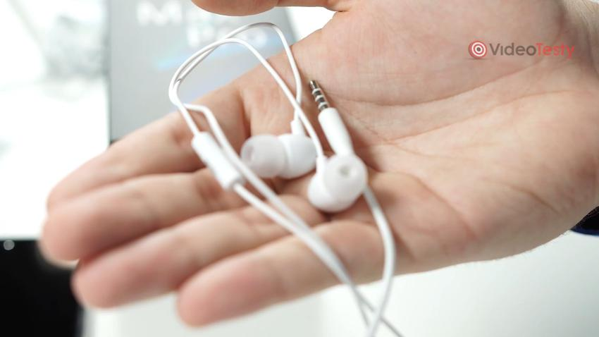 Zenfone Max Pro (M2) ma także słuchawki