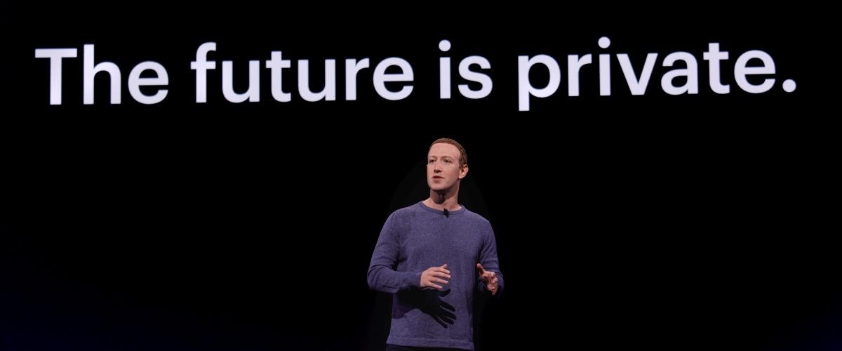 Smartwatch Facebooka powstaje. Czy będzie bezpieczny?