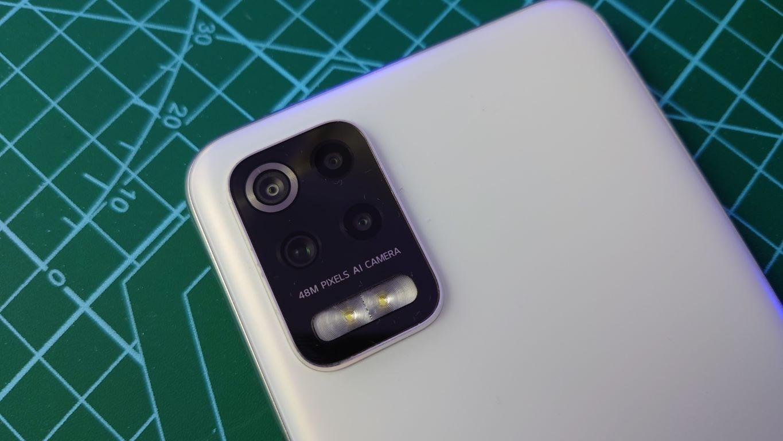 Sony Xperia 5 II - zbliżenia z głównego obiektywu