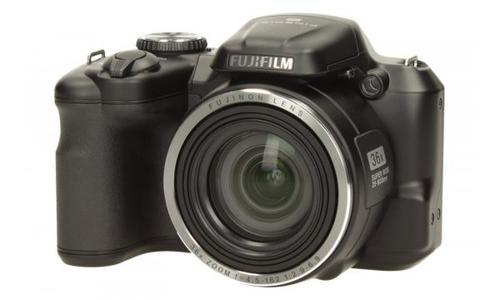 FujiFilm S8600 + skórzany pokrowiec