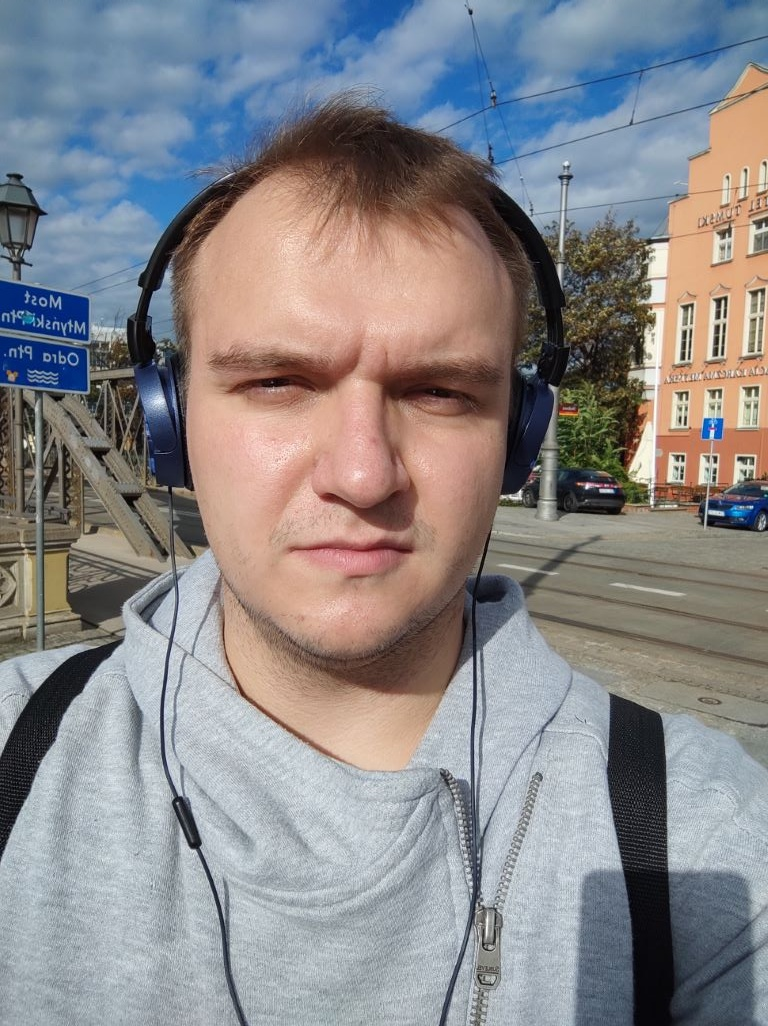 POCO X3 NFC - selfie w trybie automatycznym za dnia