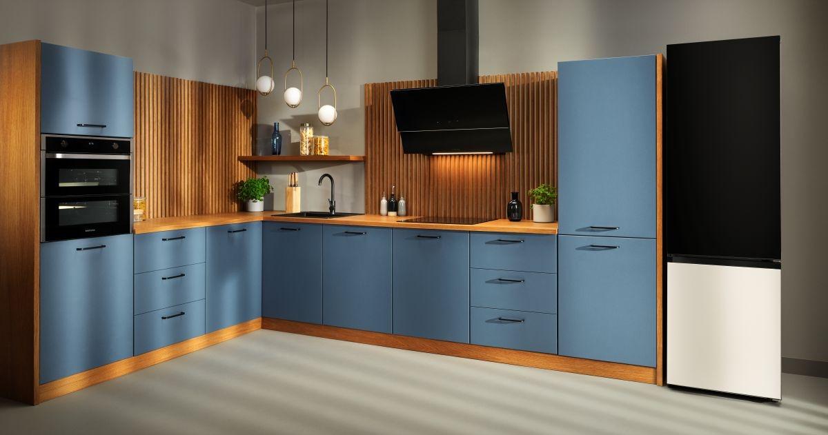 Sprawdź jak personalizowane lodówki Samsung Bespoke prezentują się w kuchni.