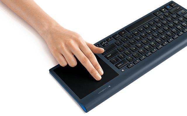 Logitech Wireless All-in-One Keyboard TK820 - innowacyjna klawiatura