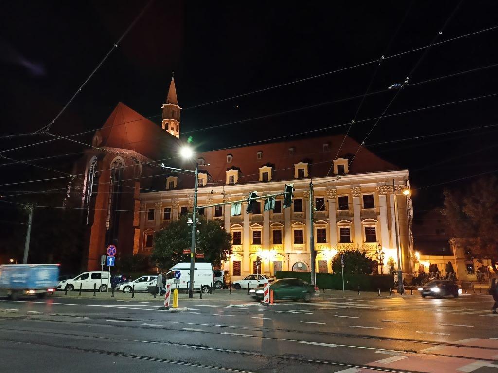 Budynek IFP - zdjęcie w trybie automatycznym