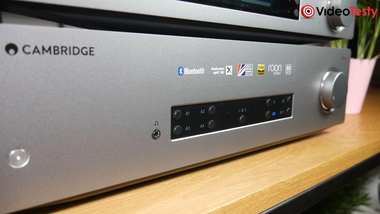 wzmacniacz zintegrowany Cambridge Audio CXA81 z bliska