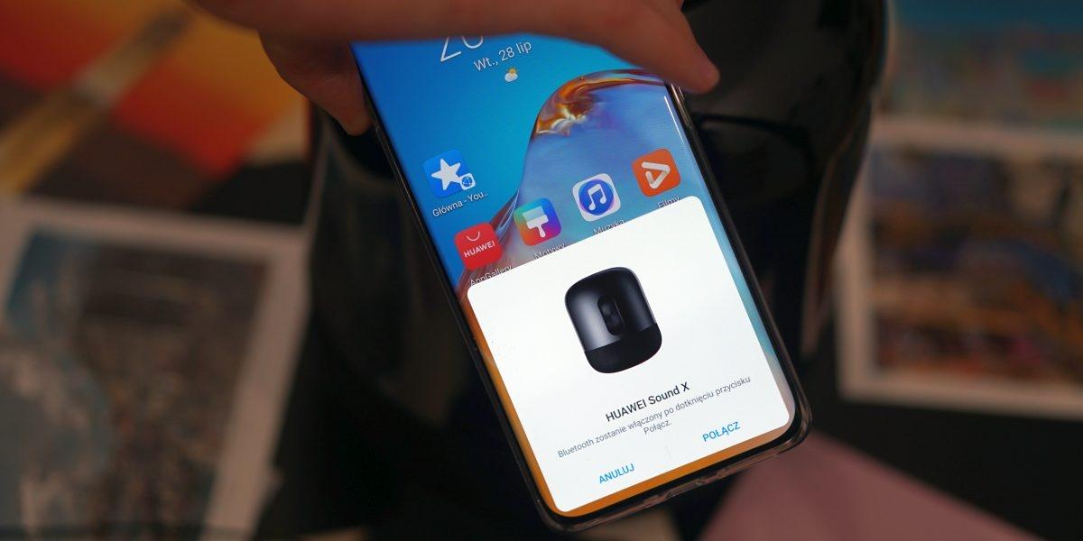 Parowanie Huawei Sound X ze smartfonem to kwestia sekund